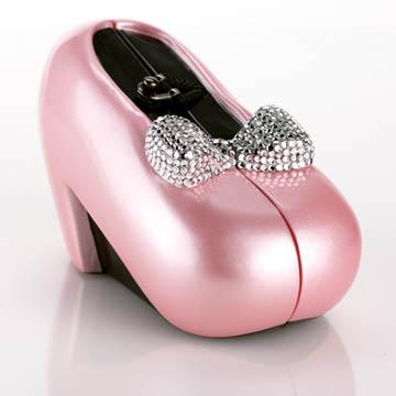 розовые туфли.